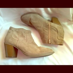 Old Navy suede boots 10